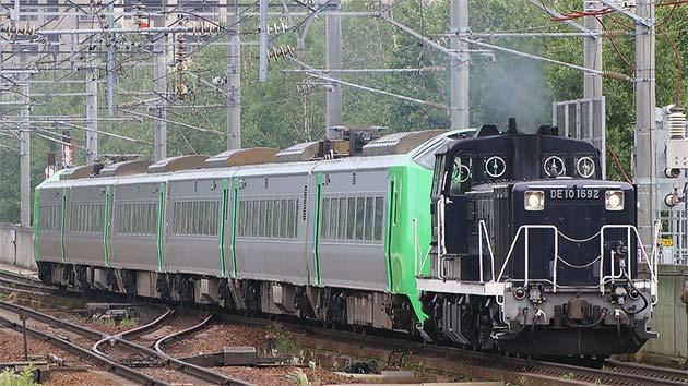 789系0番台HE-106・HE-206編成が出場