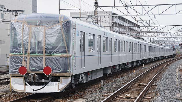東京メトロ13000系第1編成が甲種輸送される