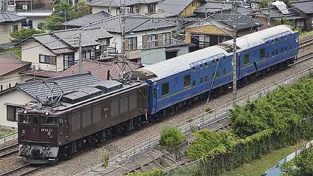 24系客車2両が長野総合車両センターへ