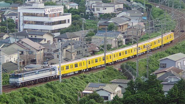 東京メトロ1000系1135編成が甲種輸送される