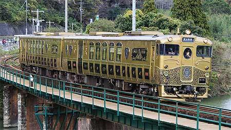 「或る列車」が唐津線で運転される