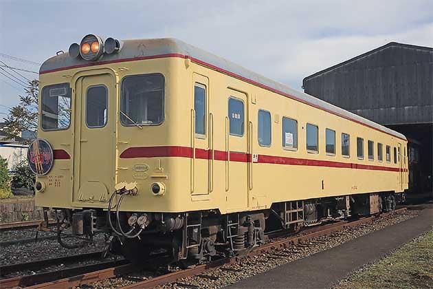 金田駅でキハ2004の譲渡式とお披露会