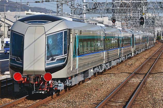 東武鉄道500系が甲種輸送される