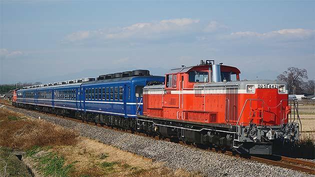 八高線で12系5両を使用した乗務員訓練