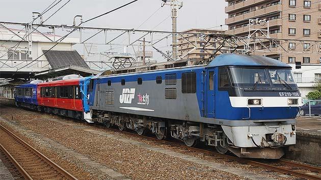 JR東日本EV-E801系が甲種輸送される