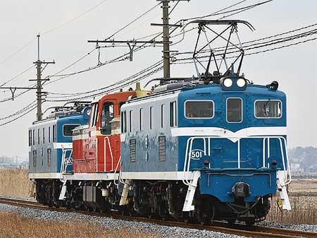 東武鉄道向けDE10 1099が輸送される