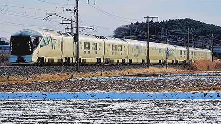 E001形「四季島」が青い森鉄道線内で日中試運転