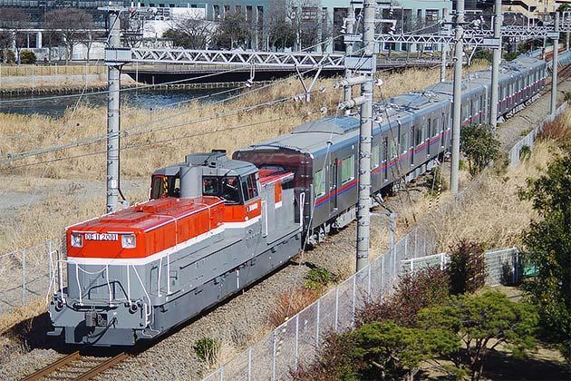 京成電鉄3000形3034編成が甲種輸送される