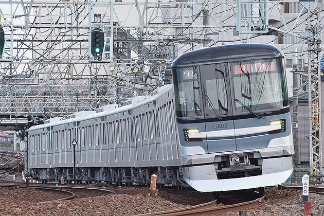 東京メトロ13000系第2編成が伊勢崎線で日中に試運転