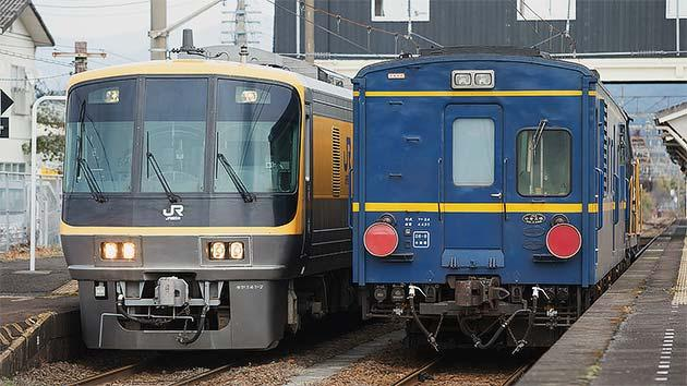 キヤ141系とマヤ34形が並ぶ