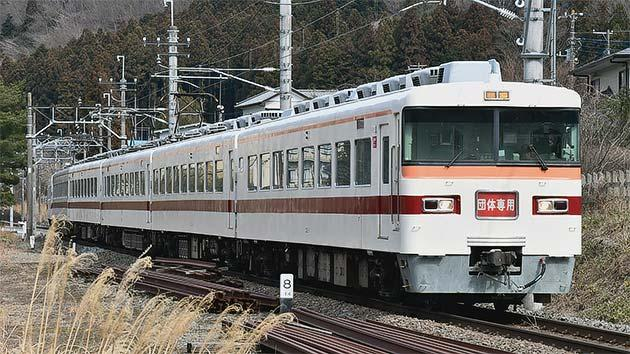 東武300系電車