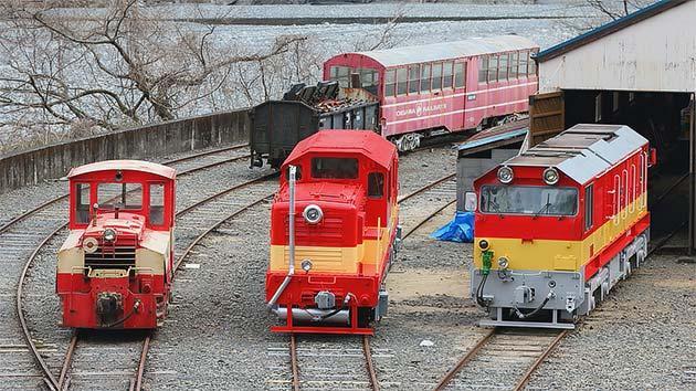 川根両国車両区で『あぷとライン三世代の機関車展示』開催