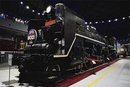 鉄道博物館 C57 135に「ありがとう 900万人」ヘッドマーク