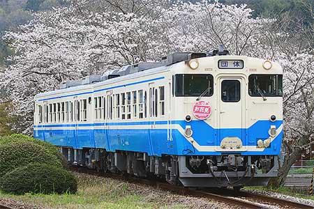 徳島線でキハ47形を使用した団体臨時列車運転