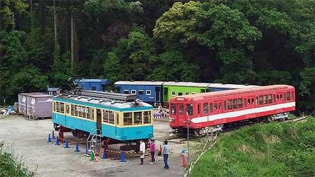 箱根登山鉄道モハ2形110号が「ポッポの丘」で期間限定展示される