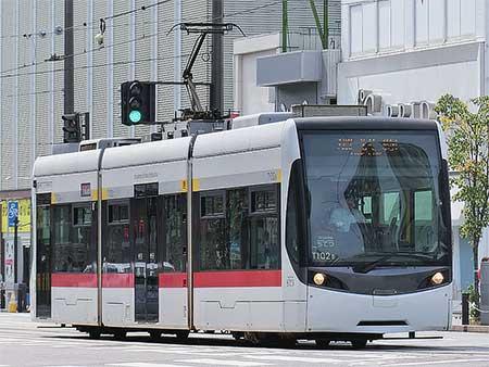 富山地鉄T100形が環状線を代走する