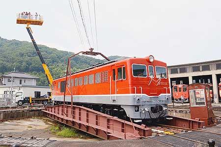 津山まなびの鉄道館で来館者10万人達成記念イベント