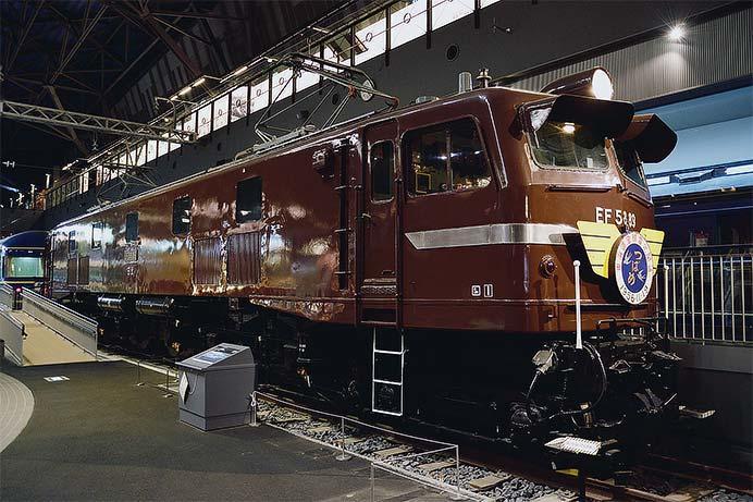 """鉄道博物館 EF58 89に""""つばめ""""ヘッドマーク"""