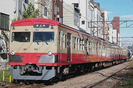 西武多摩湖線で赤電色の新101系が営業運転を開始