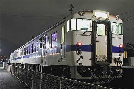 日田彦山線でイルミネーション列車運転