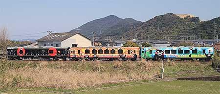 肥薩おれんじ鉄道で「くまモンラッピング列車3号」の運転開始