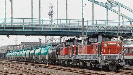 ダイヤ改正後の5282列車をDD51形の重連がけん引