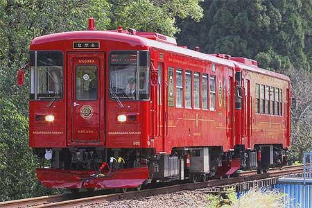長良川鉄道で観光列車「ながら/川風」が試運転を実施