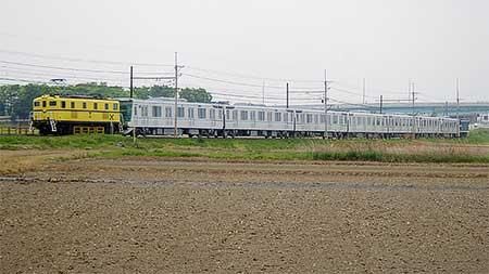 東京メトロ13000系第19編成が甲種輸送される