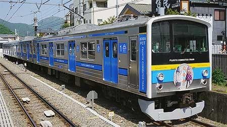 富士急行で「ゆるキャン△」コラボトレイン運転
