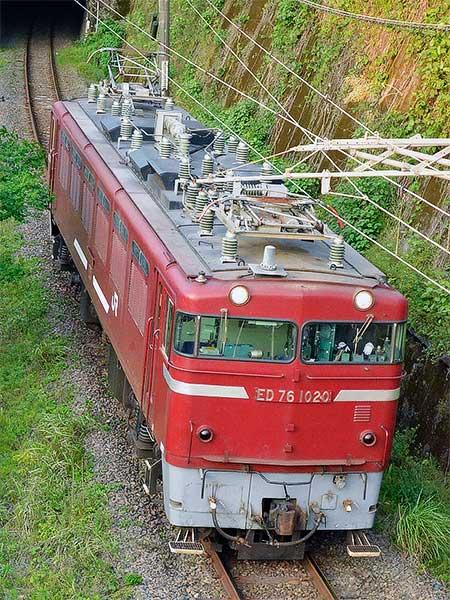 鹿児島本線でED76 1020が単機回送される