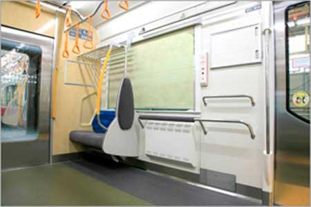 全車両に車いすスペースまたはフリースペースが設置されている