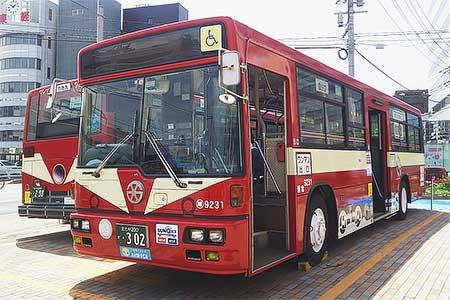 西鉄110周年を記念して電車ラッピングバスが登場
