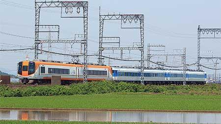 近鉄で15200系「あおぞらⅡ」+22000系の団臨運転