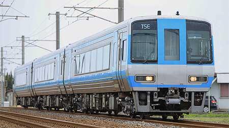 2000系試作車「TSE」が高松へ