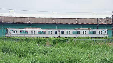 東京メトロ03系が2両で留置される