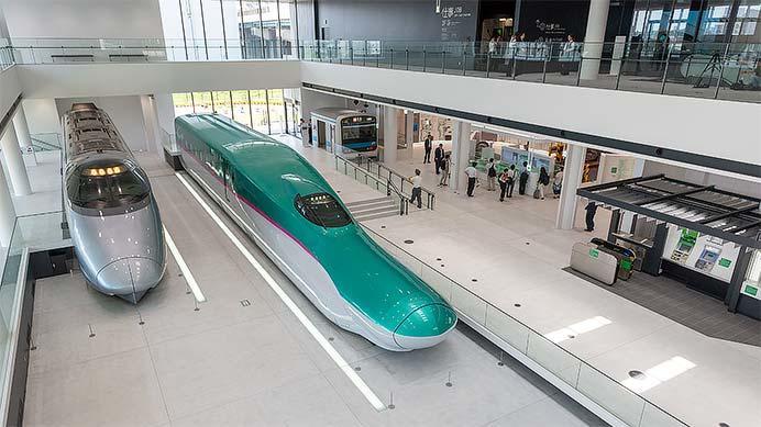 鉄道博物館南館に展示の400系・E5系モックアップ