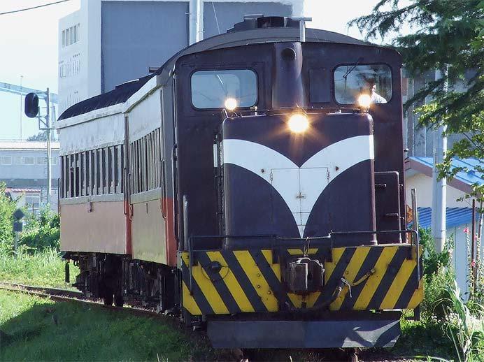 津軽鉄道で旧形客車運転