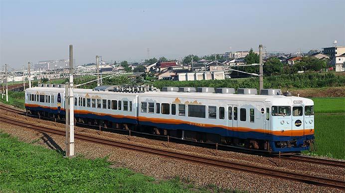 あいの風とやま鉄道,413系を改造した観光列車「一万三千尺物語」を導入