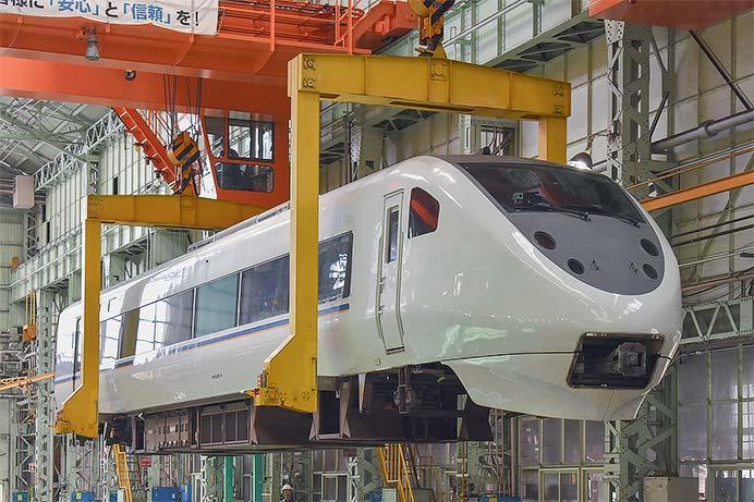 https://cdn3.railf.jp/img/news/2018/08/180826_681_0448.jpg