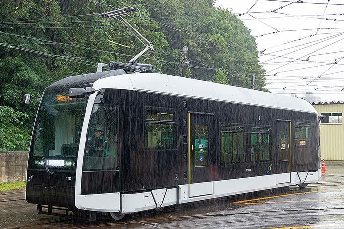 札幌市交通局,1100形を報道陣に公開