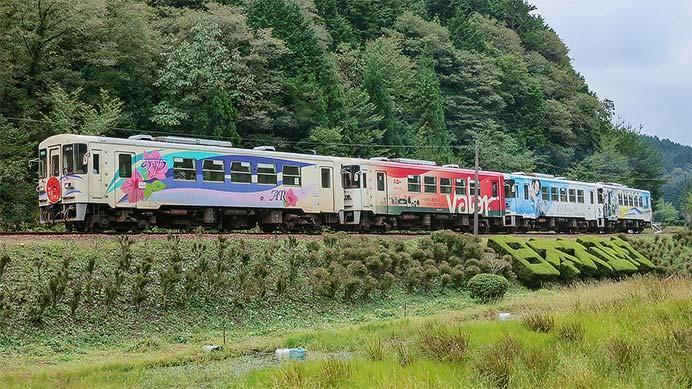 明知鉄道の急行列車が4両編成で運転される