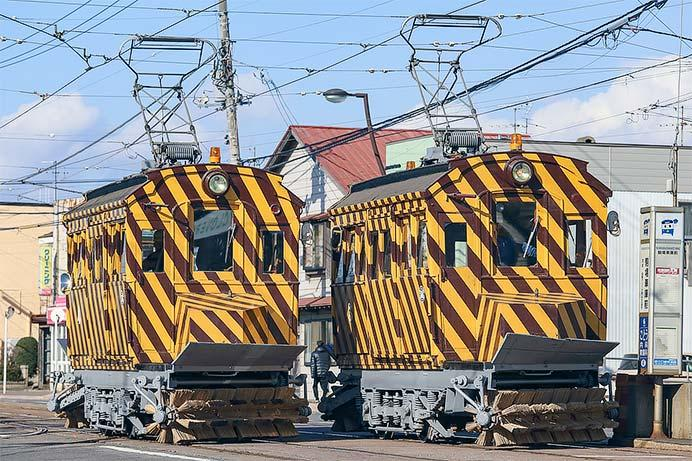 函館市電で「ササラ電車」が試運転を実施
