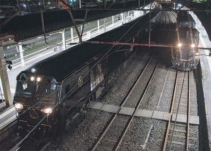 鹿児島でマヤ34 2009と「ななつ星in九州」が並ぶ