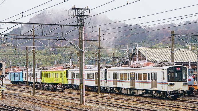 近江鉄道220形が5両連結した状態で留置される