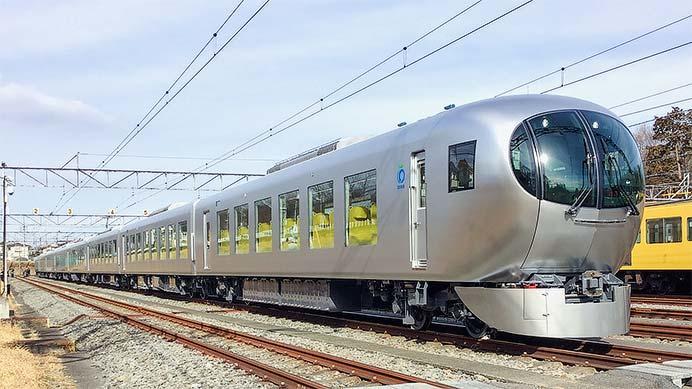 西武鉄道001系が公開される