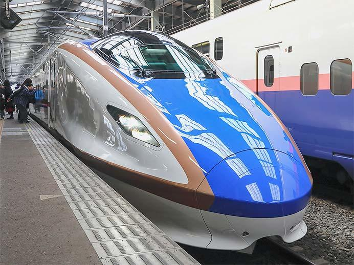 新潟駅でE7系新幹線電車の車両展示会