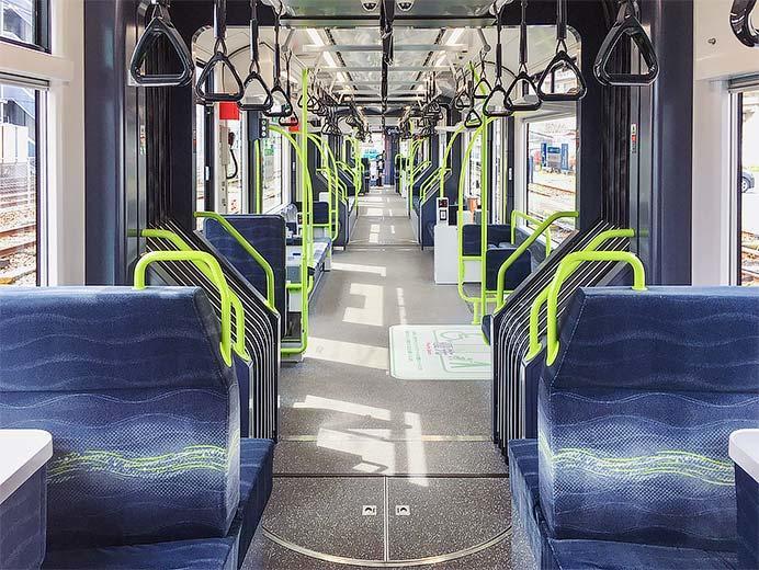 広島電鉄5200形が公開される