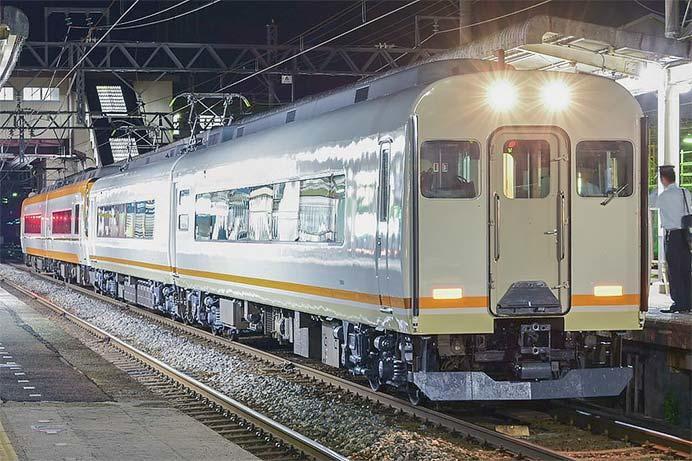 近鉄21000形の増結車が検査を終え出場