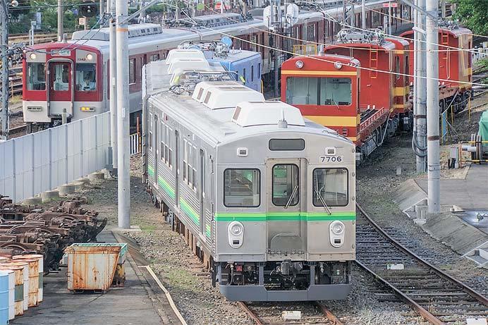 養老鉄道2両編成の7700系が姿を現す