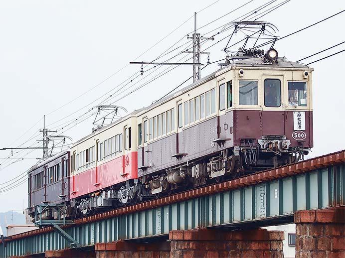ことでんで『レトロ電車特別運行』